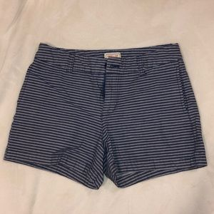 Khaki by GAP - Blue and white striped short